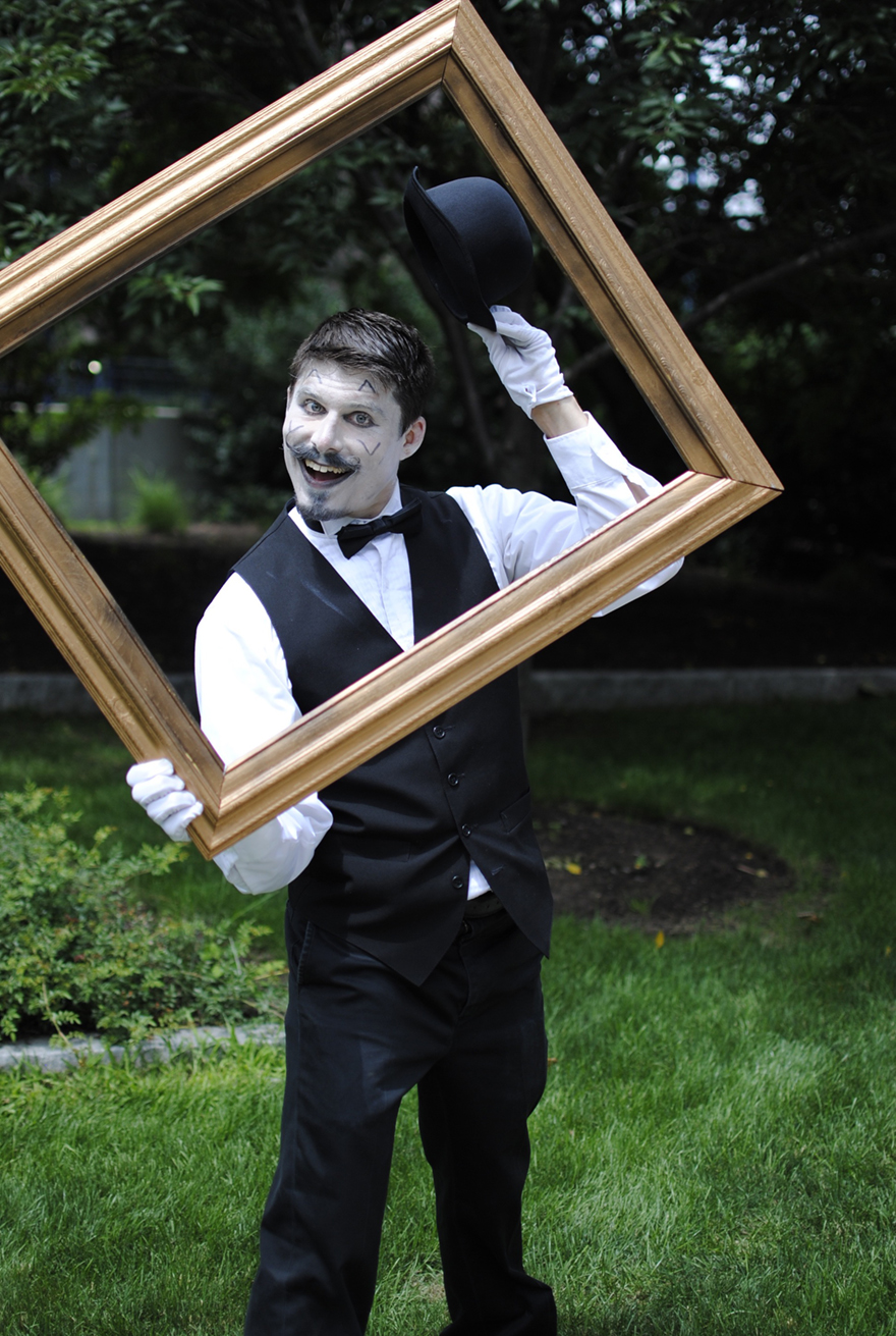 Olde-Time Mime Ben Warren at the 2015 FIGMENT event in Boston (photo/Drew Cook).