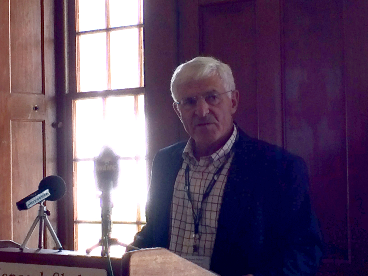 Richard Selzer, acting chairman of the board of Hancock Shaker Village, introduced Jennifer Trainer Thompson as the newly appointed President and CEO (photo, Jason Velázquez).