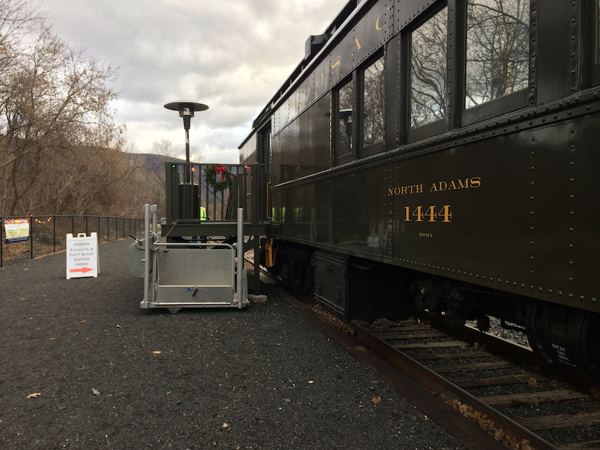 Visitors can step back in time as the visit the Hoosac Valley Train Rides' museum car, which also serves as ticket booth and gift shop (photo, Jason Velázquez).